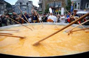 """10 آلاف بيضة لصنع أكبر طبق """"أومليت"""" ببلجيكا"""
