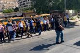 وقفة احتجاجية للسائقين أمام مبنى محافظة نابلس