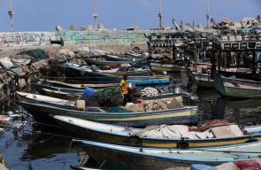 توقف قوارب الصيادين في غزة بعد اغلاق قوات الاحتلال البحر أمامها