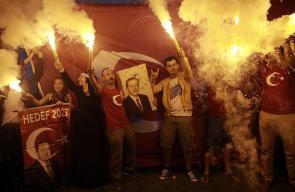 احتفالات عارمة في تركيا بفوز أردوغان