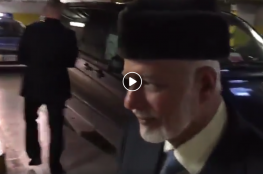 هكذا تسلل وزير خارجية عُمان للقاء نتنياهو سراً.. من كراج السيارات !