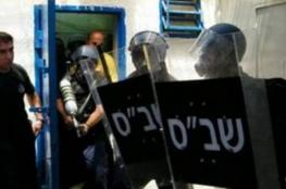 Israel forces raid cells in Ofer jail, maltreat prisoners