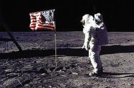 """صورة """"مثيرة للجدل"""" تشكك في رحلات القمر"""