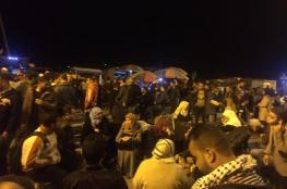 """""""بين ليلة وضحاها"""".. تبدل أمل المئات من المسافرين في غزة إلى ألم وقهر"""