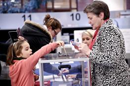 نسبة التصويت بالانتخابات الرئاسية الفرنسية ترتفع إلى 70%