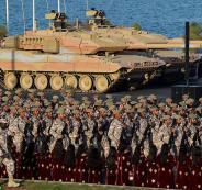 قوات-عسكرية-قطرية-في-استعراض-اليوم-الوطني-القطري