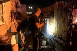 """""""لقد نجونا بمعجزة"""".. مستوطن إسرائيلي يصف لحظة سقوط صاروخ على سديروت"""