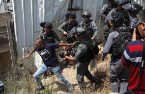 الاحتلال يقمع عائلات فلسطينية من بلدة بيت حنينا