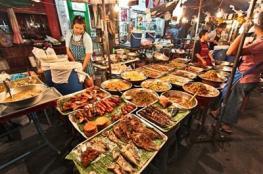 """تايلاند تقرر حظر """"أكل الشارع"""""""