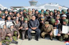 زعيم كوريا الشمالية يفاجئ أمريكا بعرض جوي لطائرة عسكرية