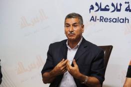 الديمقراطية لشهاب: تولي عباس لعدة دوائر في المنظمة خطير جداً