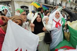 """""""يوم الكرامة"""" في الجزائر.. حشود كبيرة تتصدرها النساء"""