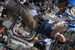 5 سنتيمترات.. رائدة أمريكية تزداد طولا في الفضاء