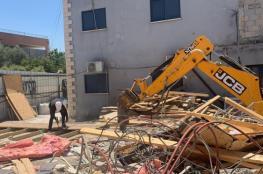 الاحتلال يجبر مواطنًا على هدم جزء من منزله بقلنسوة بالداخل المحتل