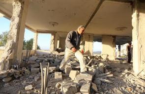 قوات الاحتلال تهدم منزل عائلة الشهيد نمر الجمل في القدس المحتلة