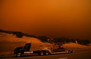 حرائق كبيرة مازالت مشتعلة في كاليفورنيا