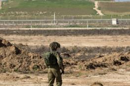 خشية الصواريخ الموجهة.. بناء سواتر رملية على طول طرق غلاف غزة