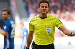 """""""الفيفا"""" يمنح حكام كأس العالم الحق في إيقاف المباريات في هذه الحالة"""
