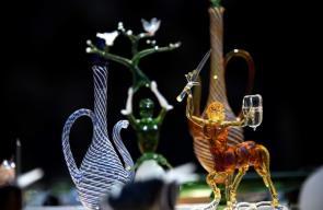 فنان تركي يبدع في تشكيل الزجاج ويُبهر السائحين