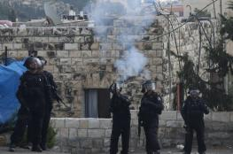 Dozens injured as IOF attacks schoolchildren with teargas