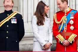 """صور """"صادمة"""" تظهر الأمير هاري في فترة عزوبيته.. هكذا كان!"""