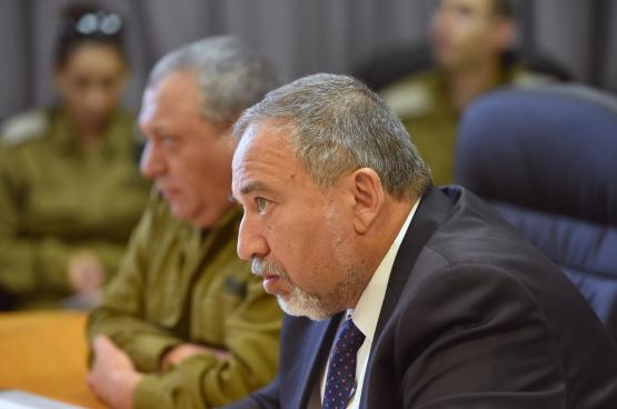 ليبرمان يطالب بزيادة ميزانية جيش الاحتلال لمواجهة التغيرات في المنطقة