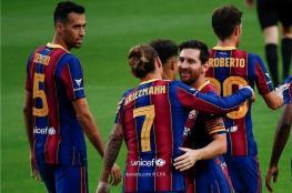 برشلونة يعلن تجديد عقود نجومه الأربعة دفعة واحدة