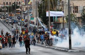 مواجهات بين الشبان وقوات الاحتلال على حاجز قلنديا العسكري شمال القدس