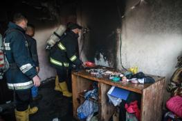 صور .. الدفاع المدني يُخمد حريقاً بمنزل في جباليا شمال غزة