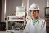 طفل أمريكي يدخل موسوعة غينيس بتصميم مفاعل نووي منزلي