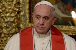 تلبية لدعوة بن زايد.. بابا الفاتيكان يقيم بالإمارات أول قداس عام في الخليج