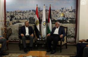 رئيس المكتب السياسي لحركة حماس اسماعيل هنية يستقبل الوفد الأمني المصري