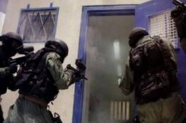 قوات القمع الإسرائيلية تقتحم قسم (3) في سجن عسقلان