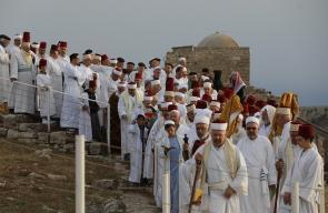 السامريون يحجّون لقمة جرزيم بنابلس احتفالاً بنهاية عيد الفسح