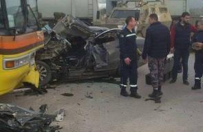 وفاة مواطنة واصابة اثنين بحالة خطرة جراء حادث تصادم مركبة فلسطينية بحافلة اسرائيلية