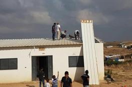 الاحتلال يجبر فلسطيني على هدم منزله بنفسه بالنقب