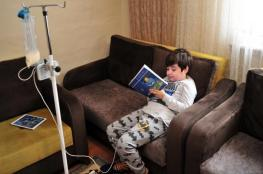 طفل تركي يجري 90 عملية جراحة نتيجة شربه مواد تنظيف