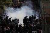 الأقصى يشتعل.. عشرات الإصابات باقتحام الاحتلال للمسجد