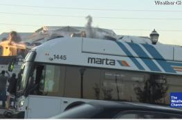 حافلة تفسد مهمة مصور أمريكي التقط تفجير ملعب