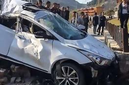 """نجاة امرأة """"طارت"""" في الهواء بعد حادث سيارة! (فيديو)"""