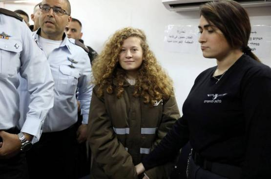 للمرة الخامسة .. الاحتلال يمدد اعتقال الطفلة عهد التميمي حتى ٣١ يناير الجاري