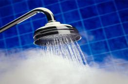 10 أخطاء شائعة أثناء الاستحمام... ضارة ومؤلمة