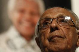 """تعرف على """"أحمد كاثرادا"""" رفيق مانديلا في الكفاح"""