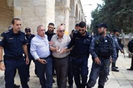قوات الاحتلال تعتقل مدير لجنة الإعمار في المسجد الأقصى