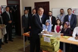 """الاندبندنت البريطانية تأمل سقوط أردوغان في الانتخابات """"الأهم""""!"""
