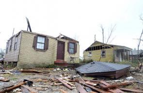 إعصار ضرب مدينة هاتسبيرغ بولاية مسيسيبي الأميركية