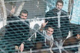 أسرى الشعبية يعلقون إضرابهم بعد اتفاق مع مصلحة السجون