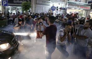 السلطة تقمع مسيرة في رام الله تُنادي برفع عقوبات غزة