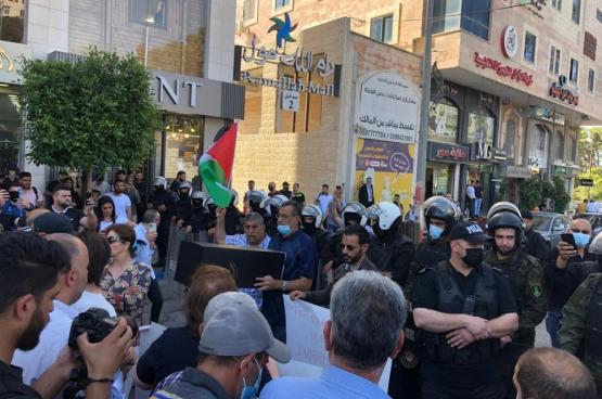 قاسم: قمع أمن السلطة للمتظاهرين سلوك إجرامي