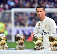 رونالدو-يبيع-الكرة-الذهبية-في-المزاد